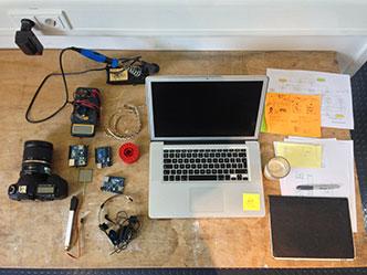 La scrivania di Simone Rebaudengo